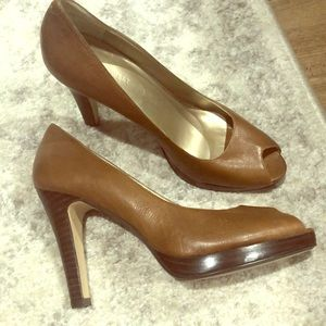 Nine West cognac/brown Peep toe heels!